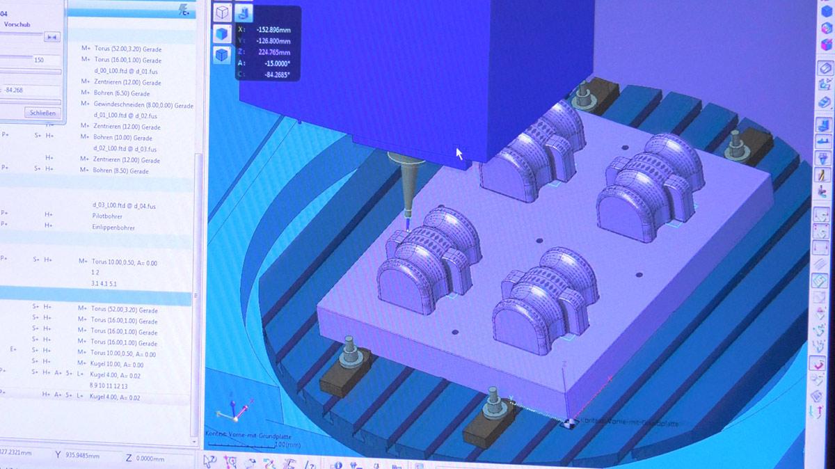 Tiefziehwerkzeug mit Schiebertechnik für hochwertige Vakuumformteile